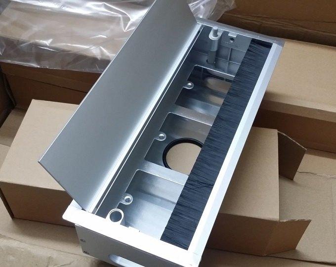 Hộp ổ cắm điện âm bàn nhôm