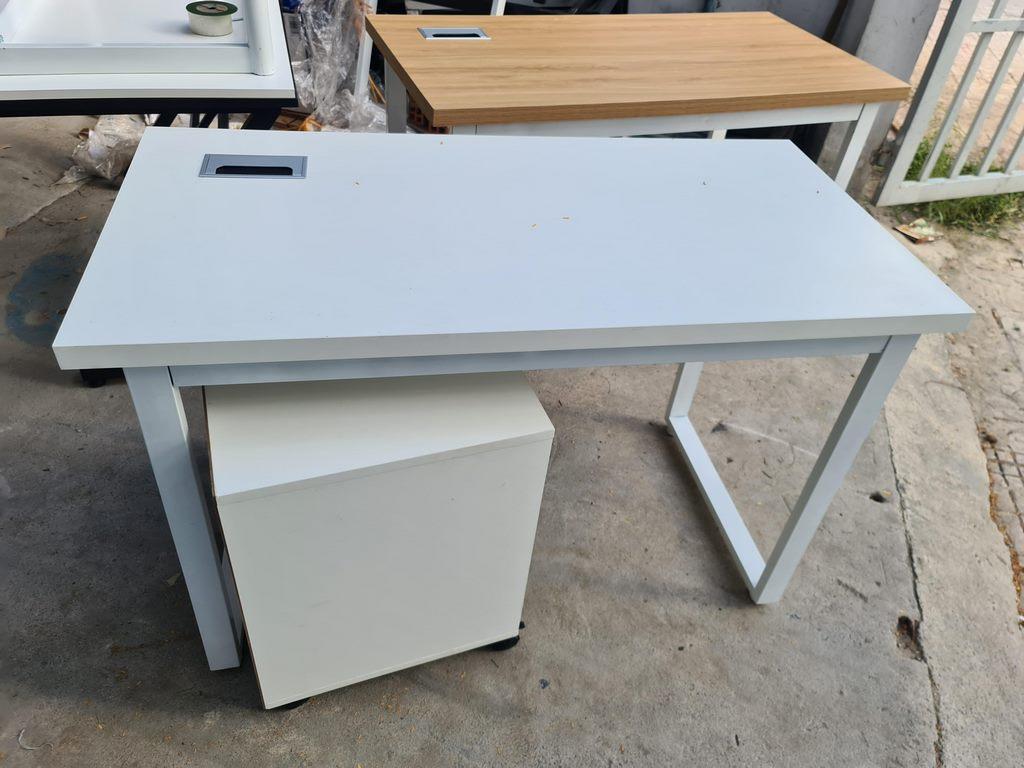 Nắp hộp điện nhôm âm bàn